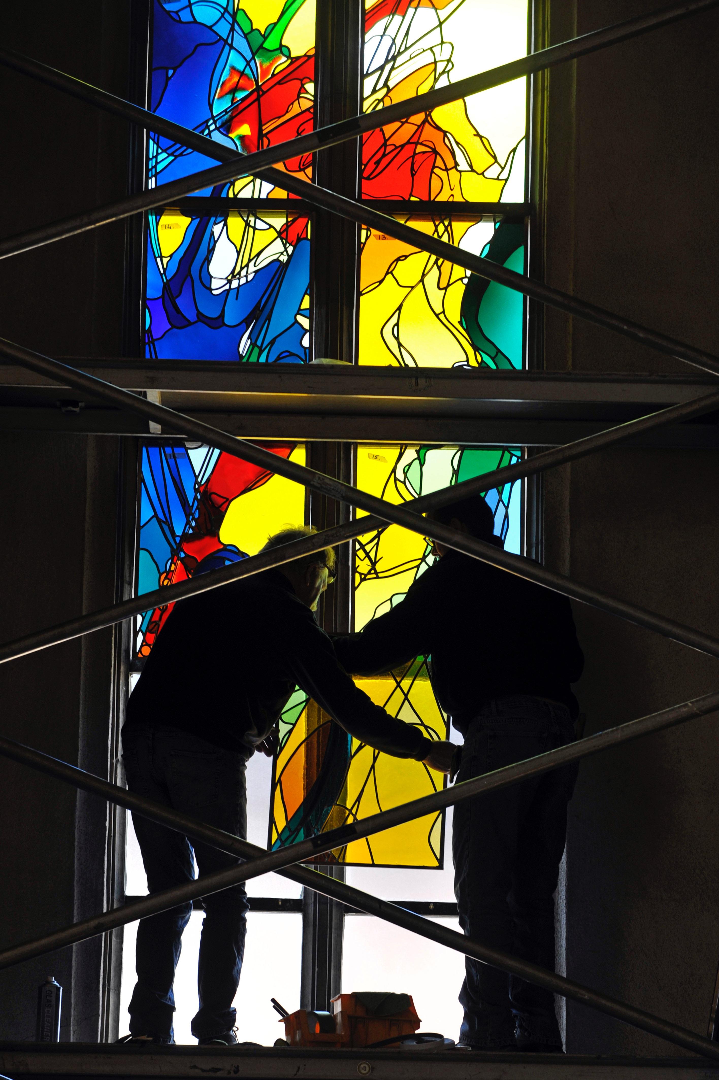 Het Thomas More-raam in de Christoffelkathedraal in Roermond