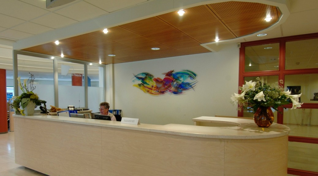 Wandkunstwerk bij het Regiokantoor Twente | Atelier Galerie Annemiek Punt Ootmarsum, Glaskunst en Schilderkunst
