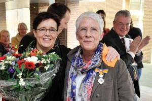 Astrid Vroemisse & Annemiek Punt bij de opening van de tentoonstelling 'Passie in Glas'