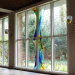 Glaskunstwerk van Annemiek Punt in de Bergkerk in Amersfoort | Atelier Galerie Annemiek Punt in Ootmarsum, Glaskunst en Schilderkunst